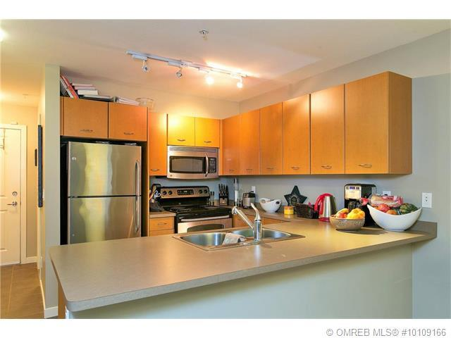 Featured Listing 533 Yates rd Kelowna - kitchen