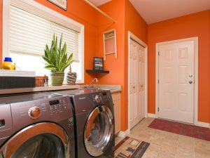 Feature Listing: 1011 Aurora Heights Laundry Room