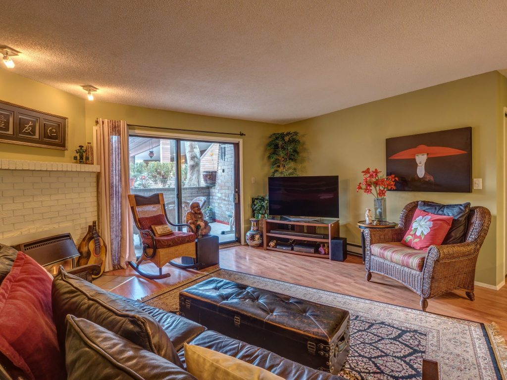 Kelowna Mortgage Broker   John Antle   Feature Realtor Brandon Grass listing 4
